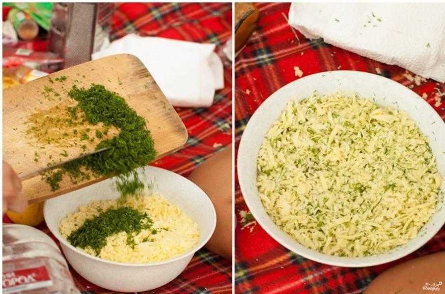 3. Смешиваем сыр с зеленью до однородной консистенции.