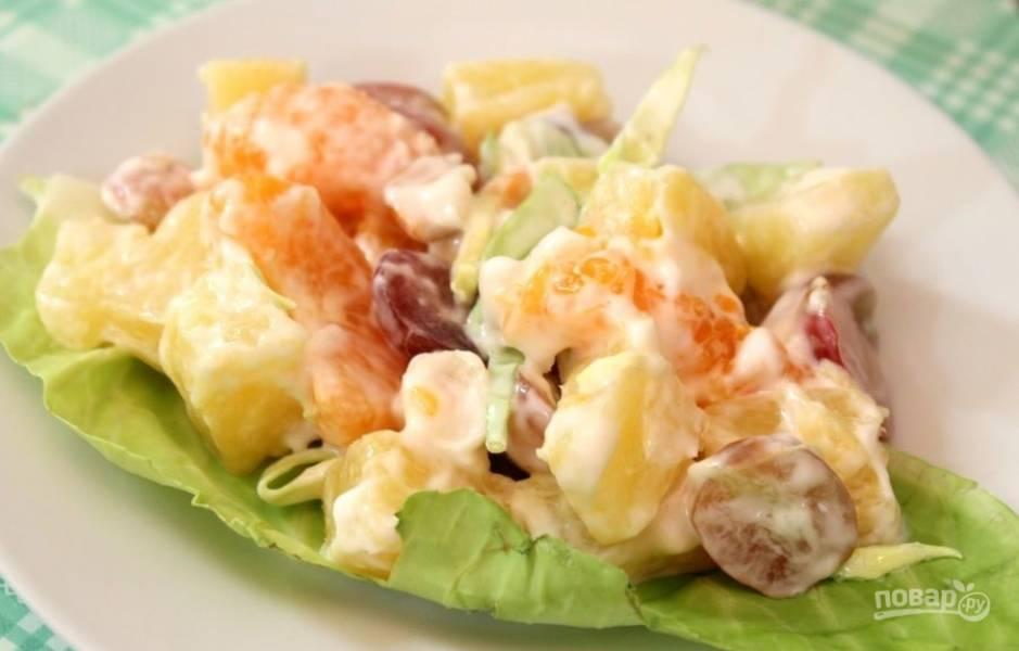 5.Подаю блюдо порционно, выкладываю на салатные листочки.
