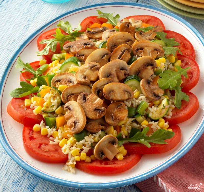 Салат из кукурузы и шампиньонов