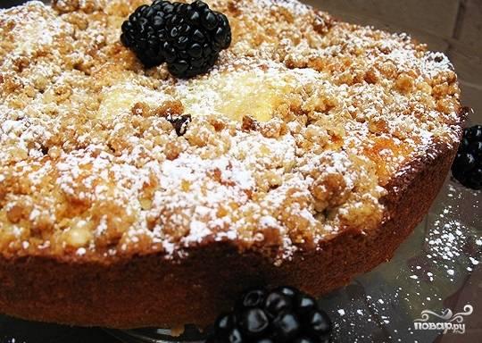 Сладкий пирог с вареньем