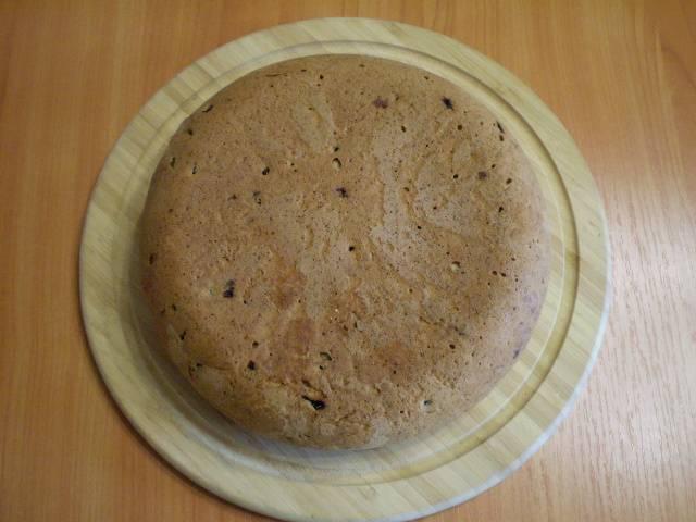 10. Остудите пирог полностью, порежьте на порционные кусочки. Украшать по желанию. Приятного!