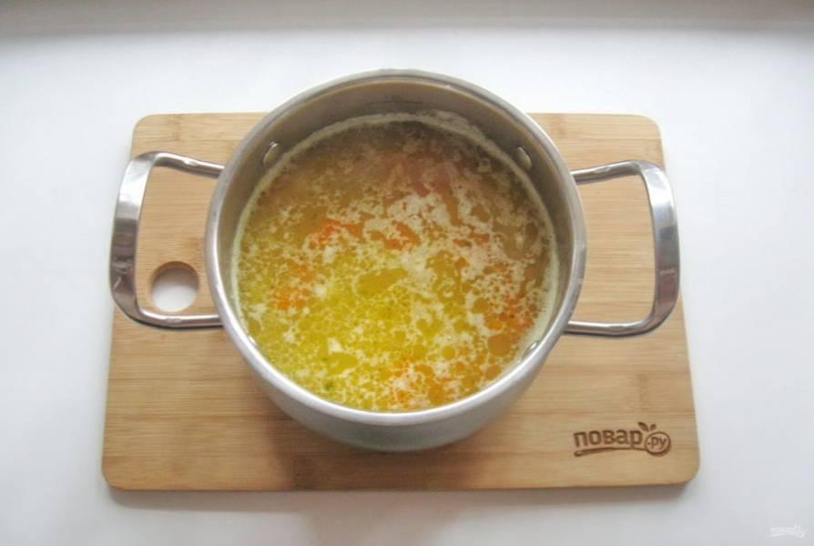 Варите суп 15-20 минут до готовности.