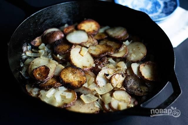 Жареная картошечка с луком