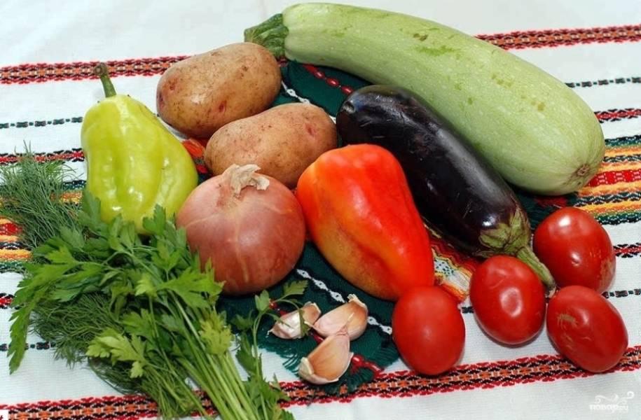 1. Это потрясающее блюдо, которое быстро готовится и является невероятно полезным. Вообще, овощи отправляются в горшок сырыми, но при желании их можно немного припустить на растительном масле.