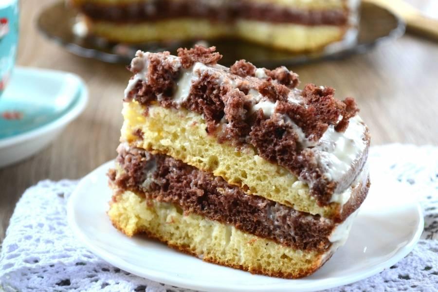 Нежный и вкусный тортик на кефире готов. Приятного чаепития!