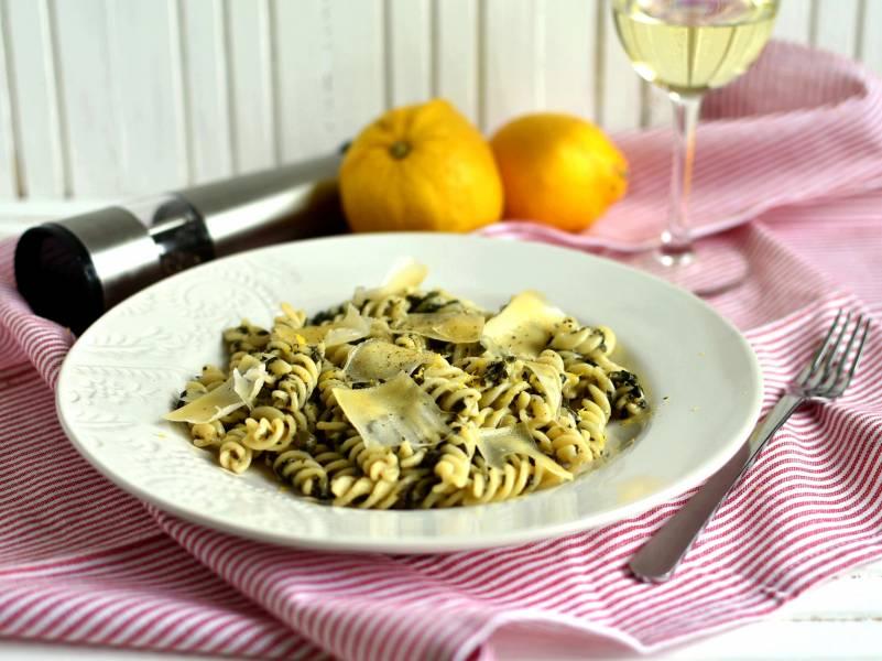 Лимонная паста с сыром и шпинатом
