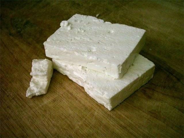Купите любой творожный сыр.