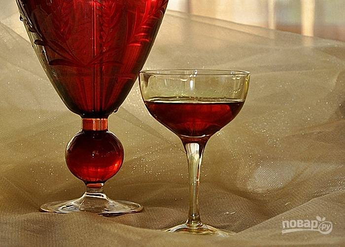 Настойка вишневая на спирту (легкий рецепт)