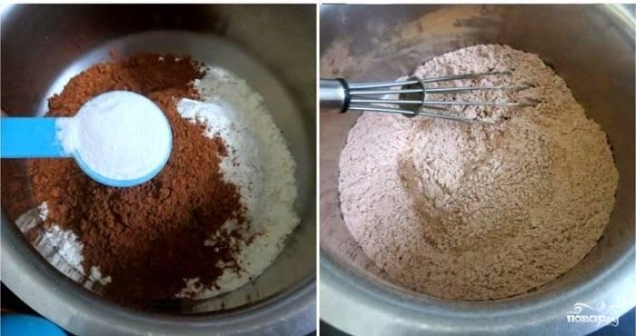 2. Добавьте сахар, разрыхлитель и щепотку соли. Для аромата в рецепт приготовления маффинов с какао можно использовать ванилин или корицу, например. Все как следует перемешайте.