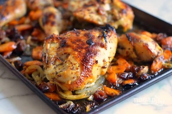4. Запекайте блюдо 45 минут при 220 градусах в духовке.