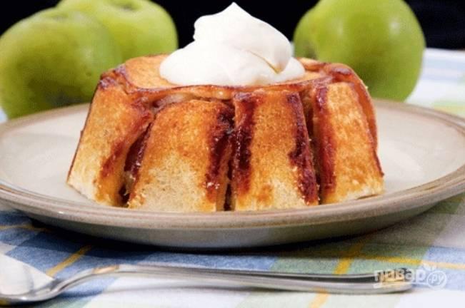 Шарлотка с яблоками, простая и вкусная