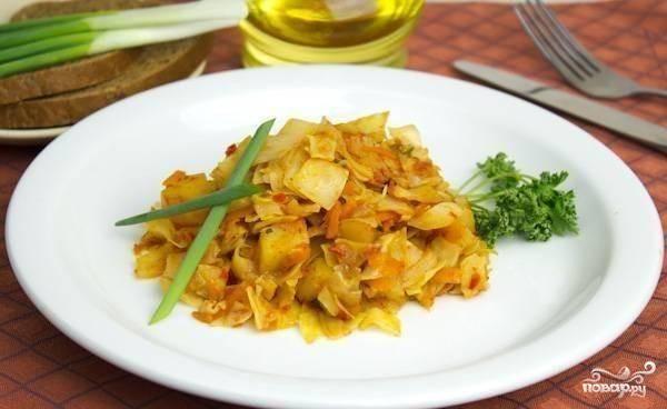Овощное рагу с картофелем и капустой