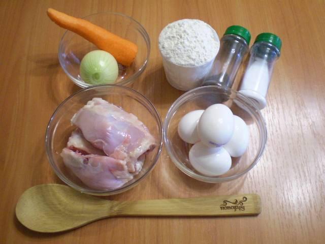 Приготовим продукты для супа и лапши.