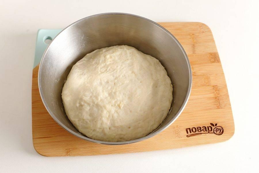 Готовое тесто должно увеличиться в два раза.