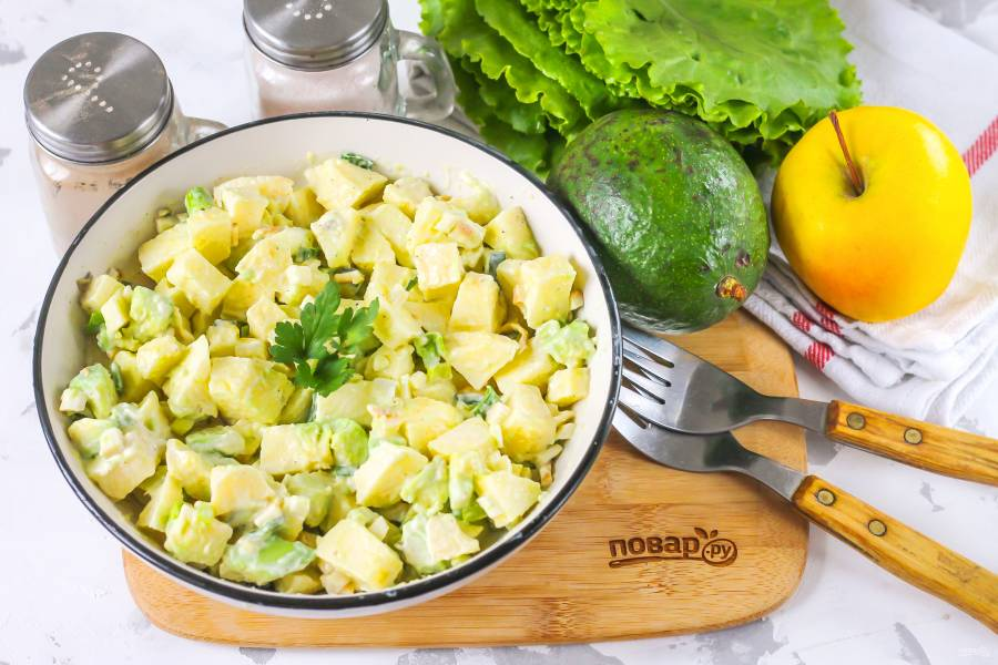 Салат из авокадо с майонезом