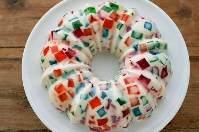 5. Поставьте десерт в холодильник до полного застывания, можно - на ночь.