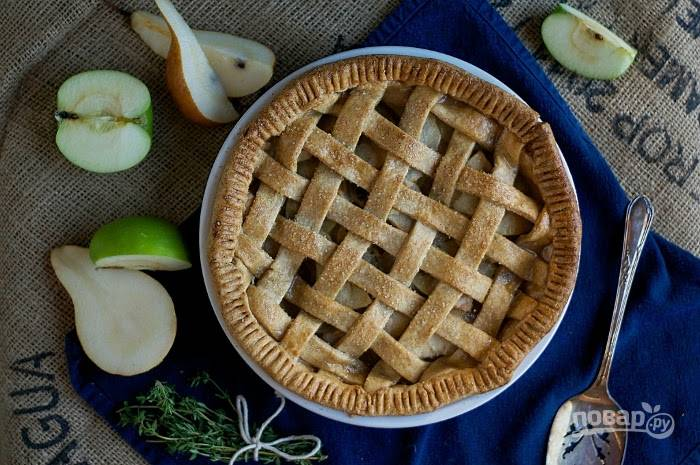 7. Запекайте пирог при 190 градусах в духовке в течение 30 минут. Приятного чаепития!