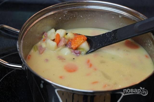 8.Готовый суп разлейте по тарелкам и подавайте к столу.