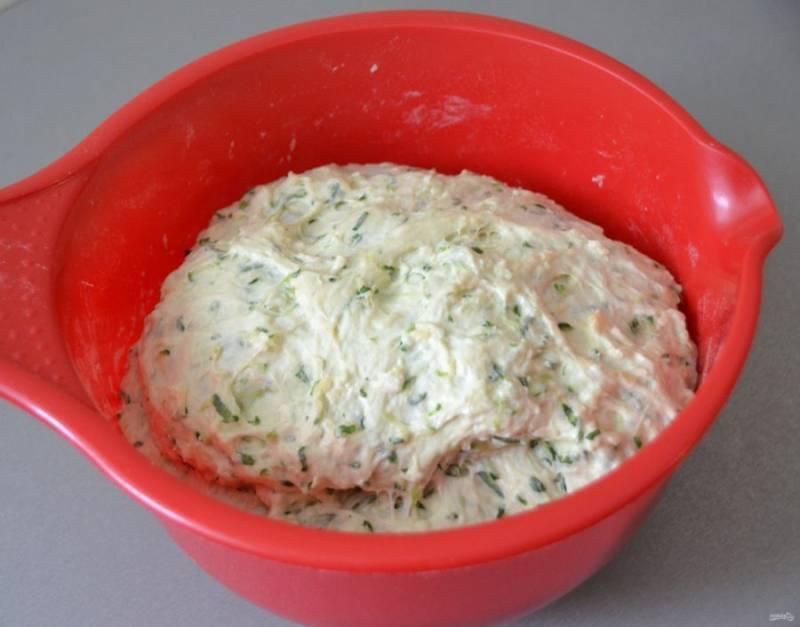 За время брожения тесто увеличивается примерно в 2 раза.