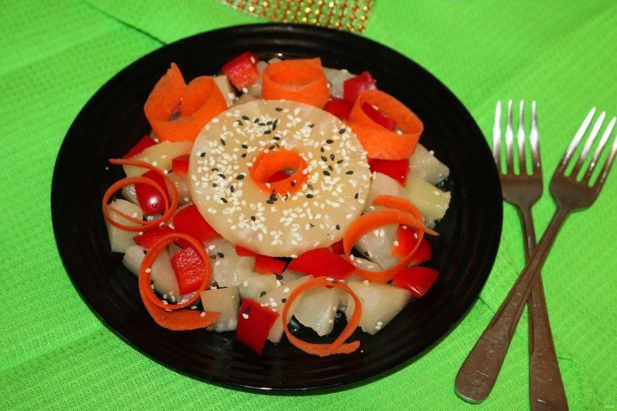 Салат готов. Приятного аппетита!