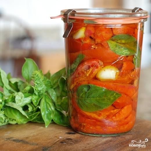 Закрываем баночку - и все! Хранить сушеные в духовке помидоры нужно в холодильнике.