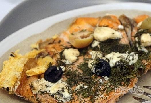 5. Красота, не правда ли? Аккуратно нарежьте порционными кусочками и подавайте к столу с овощами или гарниром. Приятного аппетита!