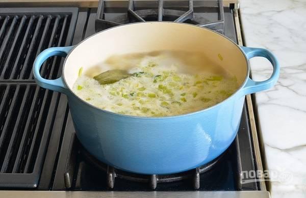 5. Варите около 12-15 минут до мягкости картофеля.