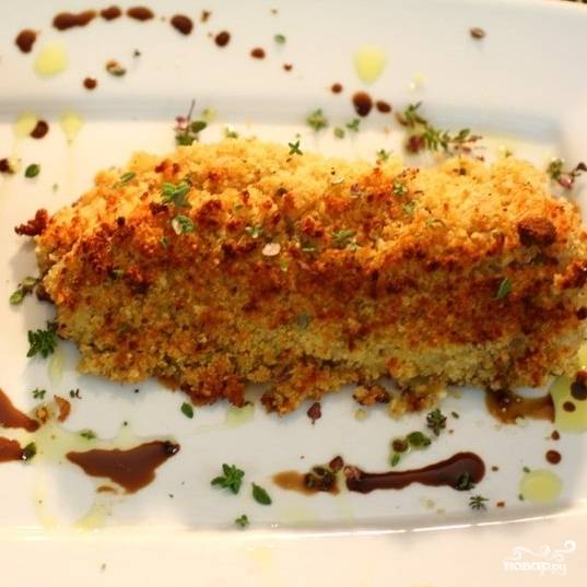 Достаем рыбу из духовки, перекладываем на тарелки и подаем с любимым гарниром или салатом. Приятного аппетита! :)
