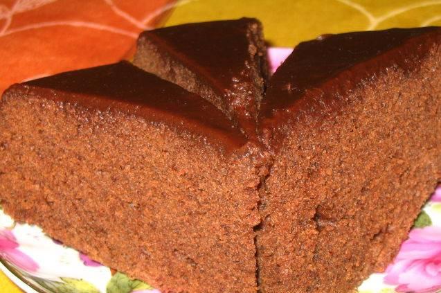 6. Готово! Я сверху бисквит промазываю растопленным шоколадом, а вы уж думайте сами, чем хотите украсить. Приятной готовки!
