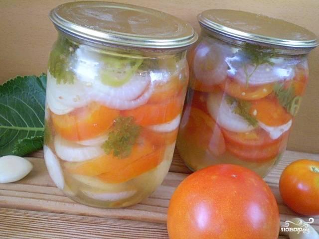 Салат из помидоров на зиму с луком