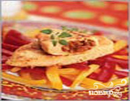 Куриные зразы с сухофруктами под апельсиновым соусом