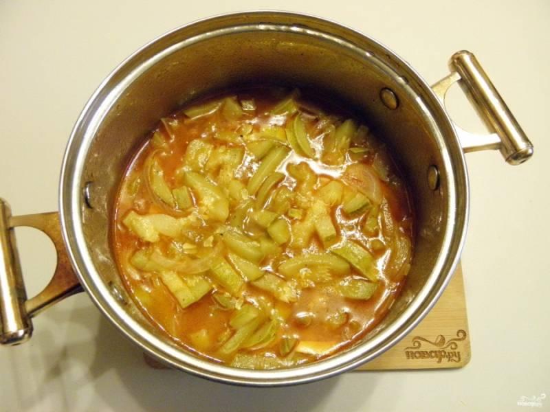 6. Кабачковая икра с томатным соусом готова! Я люблю её ещё измельчить как следует в блендере. Тогда она приобретает приятную кремовую консистенцию. Приятного аппетита!