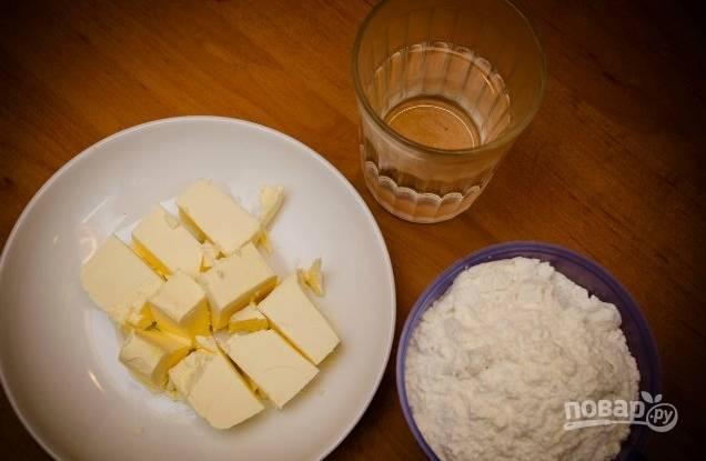 1. Подготовьте ингредиенты для теста.