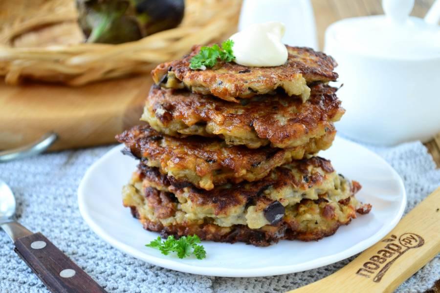 Оладьи из баклажанов и картофеля