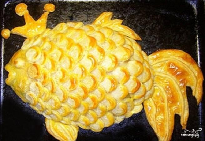 Пирог в виде рыбы