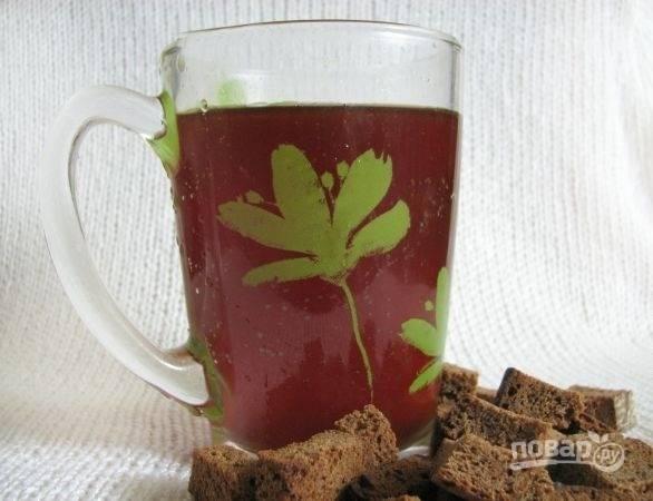 8.Готовый квас храню в холодильнике, наслаждайтесь ароматным и вкусным напитком!
