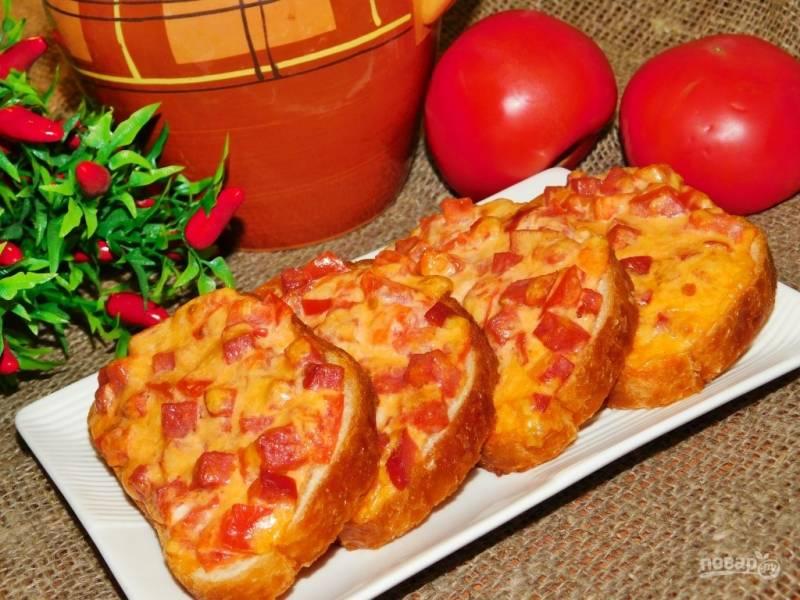 Запеченные бутерброды с колбасой