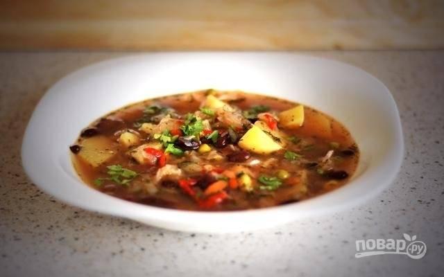 6. Вот он, вкусненький и аппетитный суп из красной фасоли. И как просто! Угощайтесь!