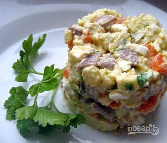 11. Презентацию делаем по желанию. Поскольку я готовила порционно, воспользовалась специальной формочкой для салатов.