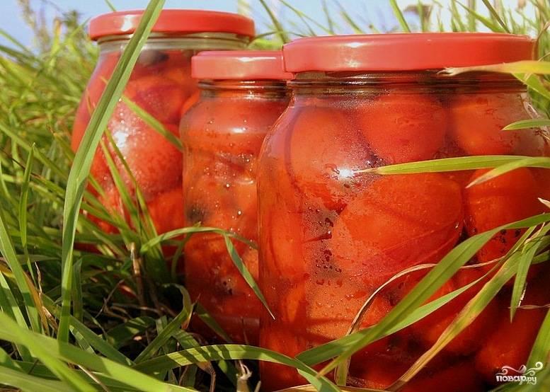 Сладкие консервированные помидоры хороши как закуска и дополнение к гарнирам, овощным и мясным блюдам. Приятного аппетита!