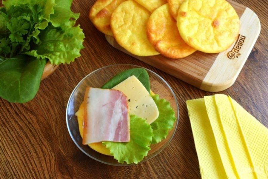 Их можно подавать как основу для сэндвичей. Можно намазать сливочным маслом, джемом и подавать к чаю.