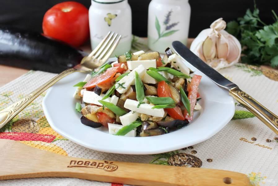 Адыгейский салат с баклажанами