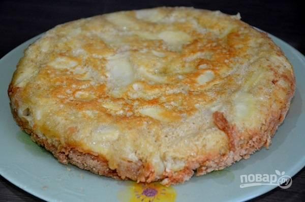 """Яблочный пирог в мультиварке """"Редмонд"""""""
