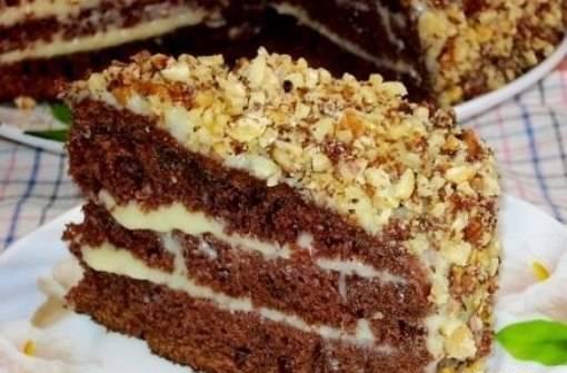 5. Вот такой в разрезе у нас получается торт. После промазывания времени на полную пропитку уходит не более 3 часов.