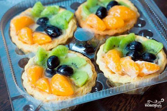 Корзиночки с фруктами и кремом