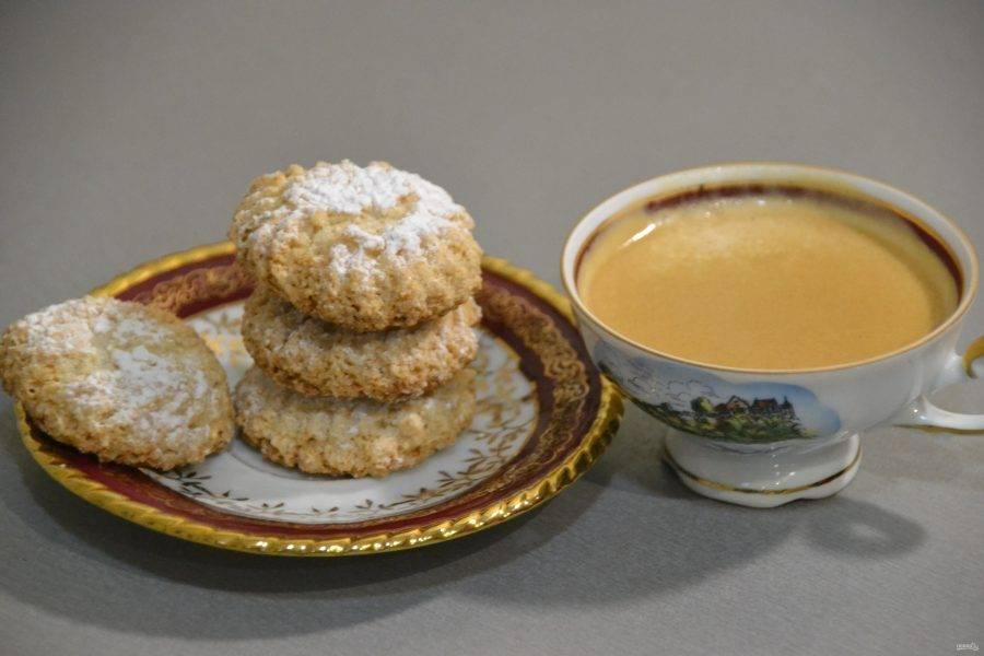 """Печенье """"Амаретти"""" великолепно сочетается с кофе и вином."""