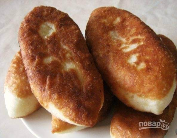Жареные пирожки с картошкой и луком готовы, приятного аппетита!