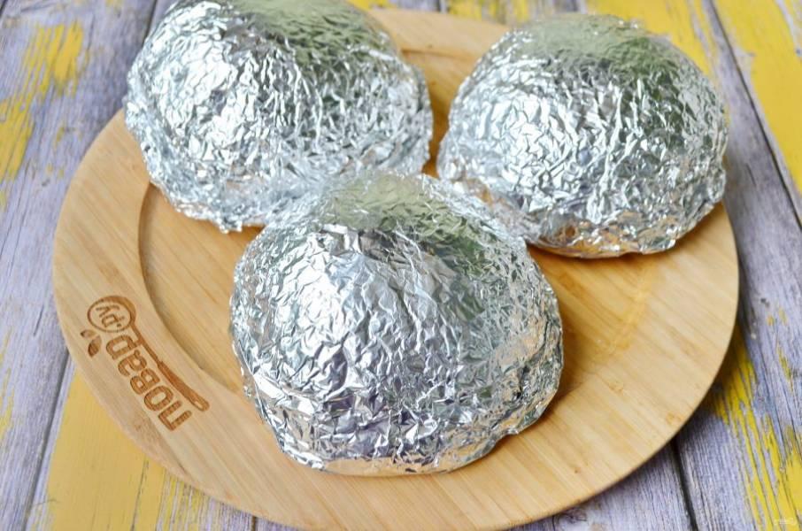 11. Отправьте бутербродики в горячую духовку (200 градусов) на 12 минут.