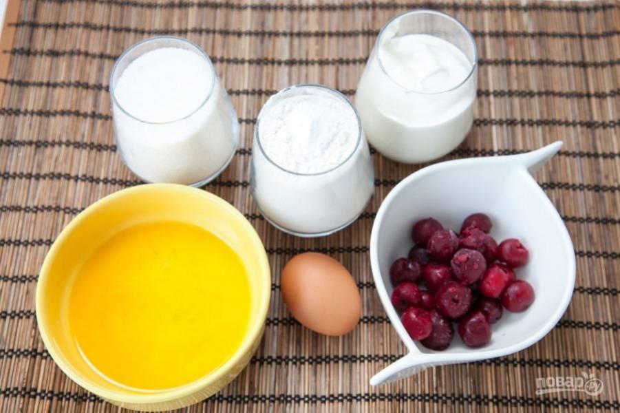 Подготавливаем все необходимые ингредиенты. Топим сливочное масло, остужаем.
