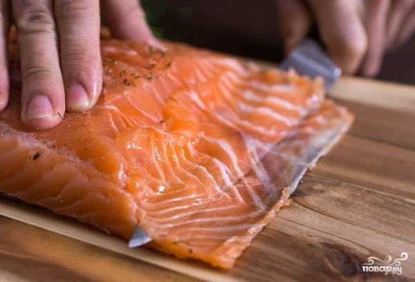 8. Этот вкусный и несложный засол красной рыбы в домашних условиях вполне может стать для вас настоящей находкой. Угощайтесь!